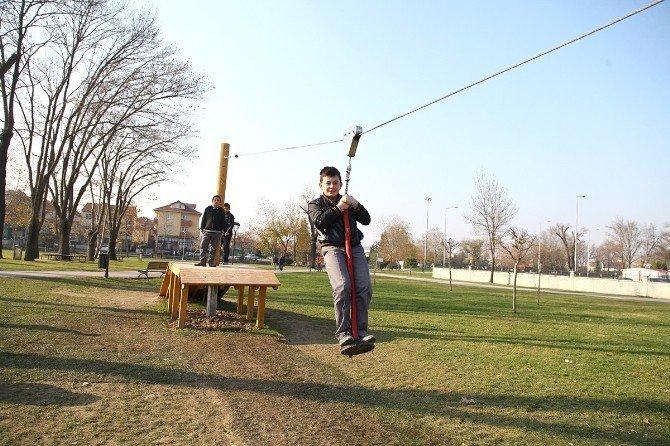 Kent Park'ta Oyun Grupları Yenilendi