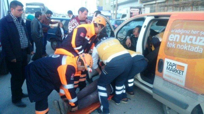 Niğde'de Trafik Kazası; 5 Yaralı