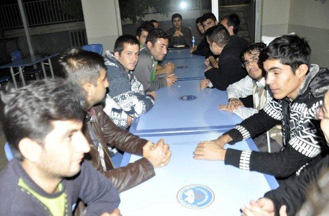 Kahta'da Yurta Kalan Öğrencilere Çeşitli Eğitimler Verildi