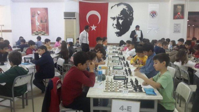 Küçükler satranç turnuvası tamamlandı