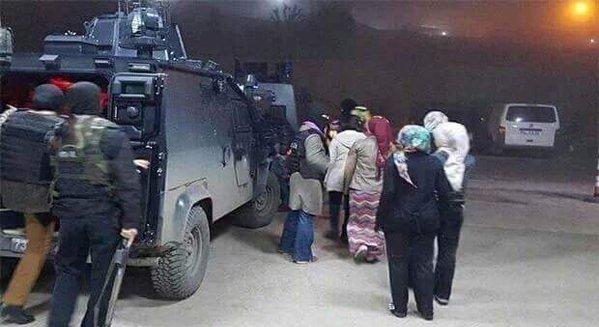 Şırnak'ta Eylem Yapan 15 Kız Öğrenci Gözaltına Alındı