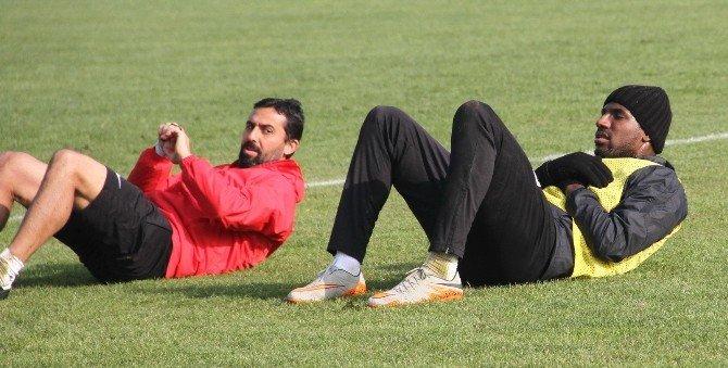 Akhisar Belediyespor'da Galatasaray Maçı Kafilesi Belli Oldu