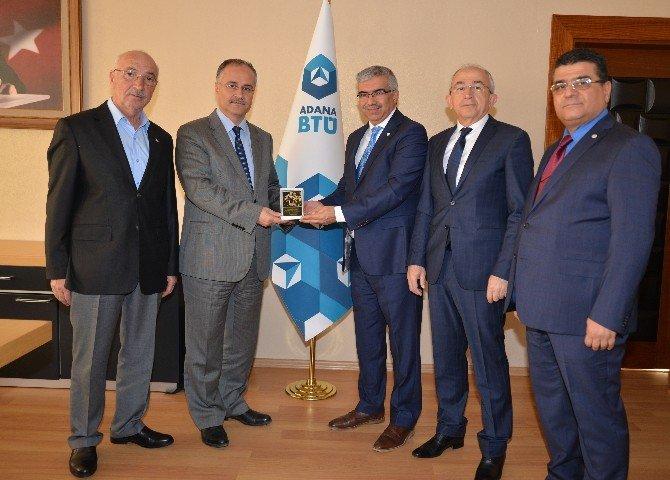 Adana BTÜ Rektörüne Kızılay Rozeti