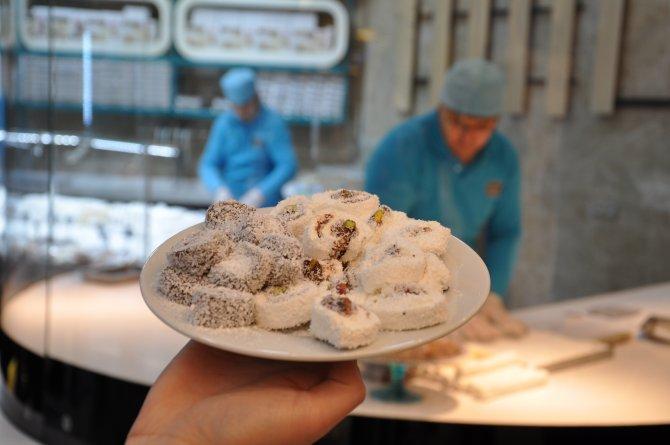 Bin 103 çocuk Afyon'da dünya lokum yeme rekoru kırıldı