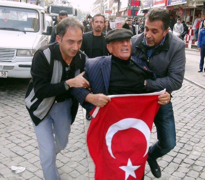 HDP Eylemine Bayraklı Tepki