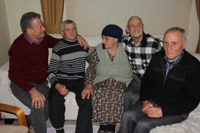 Stalin'in Sibirya'ya Sürdüğü Aile 56 Yıl Sonra Rize'de Bir Araya Geldi