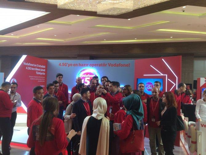 Vodafone, elemanlarına ve bayilerine 4.5 G'yi deneyimletti