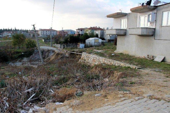 Yalova'da Bir Mahalle Kayıyor