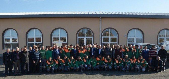 Başkan Hacı Uğur Polat, Temizlik İşleri Müdürlüğü Personelini Ziyaret Etti