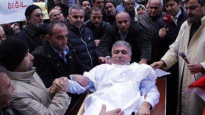 CHP'li Belediye Başkanı Canlı Canlı Tabuta Girdi