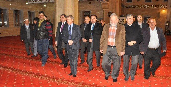Vali Çınar, Tatvan'da Ziyaretlerde Bulundu