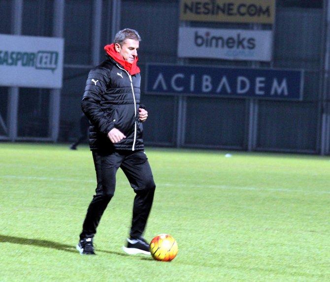 Hamzaoğlu, Bursaspor ile ilk antrenmana çıktı