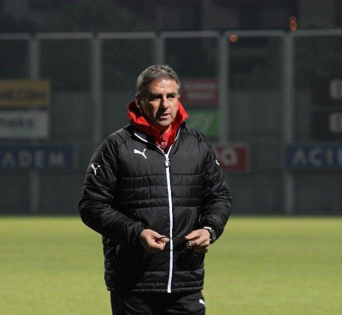 Bursaspor'da Hamzaoğlu İlk Antrenmanına Çıktı