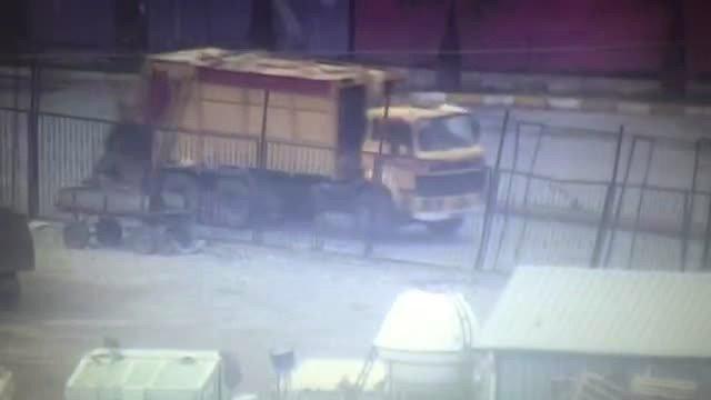 Cizre'de Çöp Kamyonu, Barikat Malzemesi Taşımada Kullanılıyor