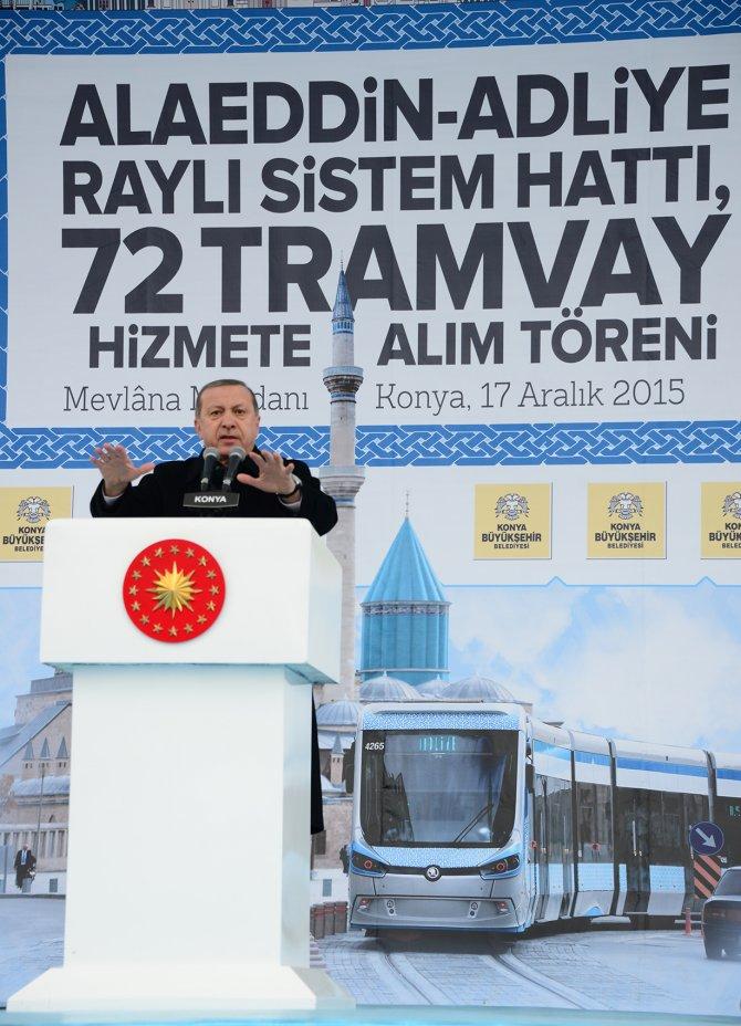 Cumhurbaşkanı Erdoğan, tramvay kullandı