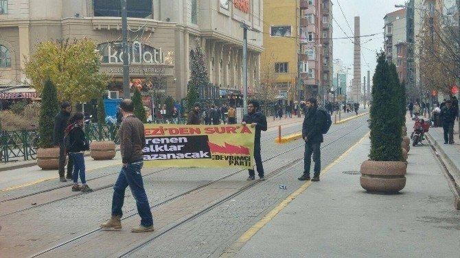 Eskişehir'de Pankart Gerginliği: 5 Gözaltı