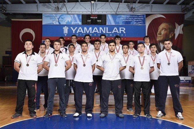 Yamanlar'dan Çifte Şampiyonluk