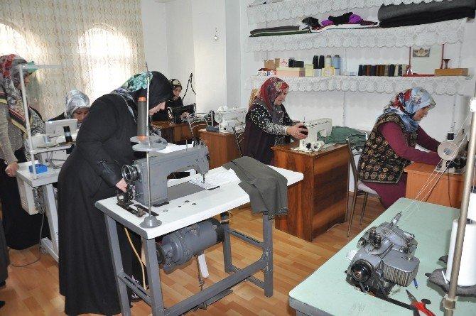 Girişimci Kadınlar Ev Ekonomilerine Katkı Sağlıyor