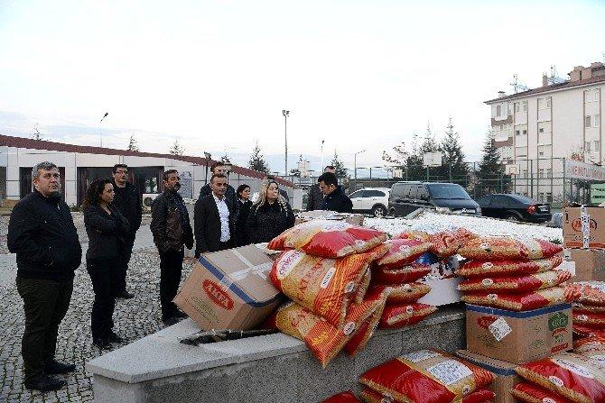 Isparta'dan Türkmenlere Gıda Ve Giyecek Yardımı