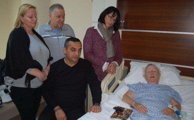 İsviçreli Hastaya Hastanede Doğum Günü Kutlaması