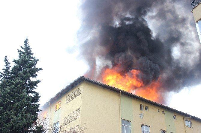 Öğrenci Yurdunda Yangın