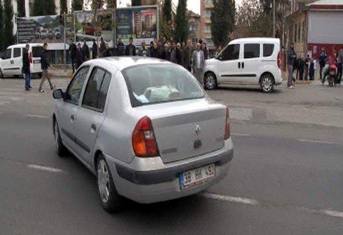 Emniyetteki Çalıntı Kaydı Silinmeyen Otomobil Polisi Alarma Geçirdi