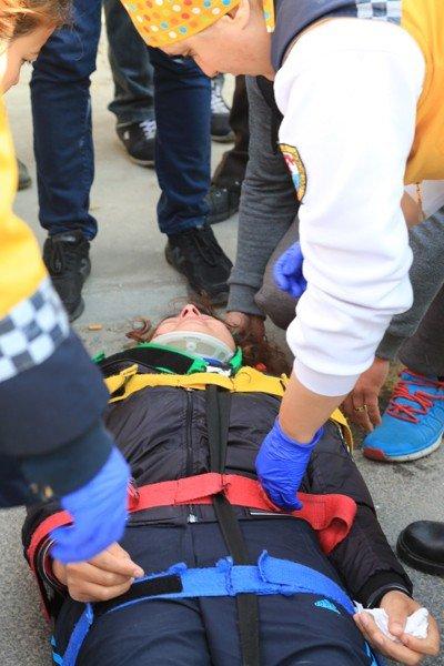 Milas'ta Yeni Ameliyatlı Kadına Araç Çarptı