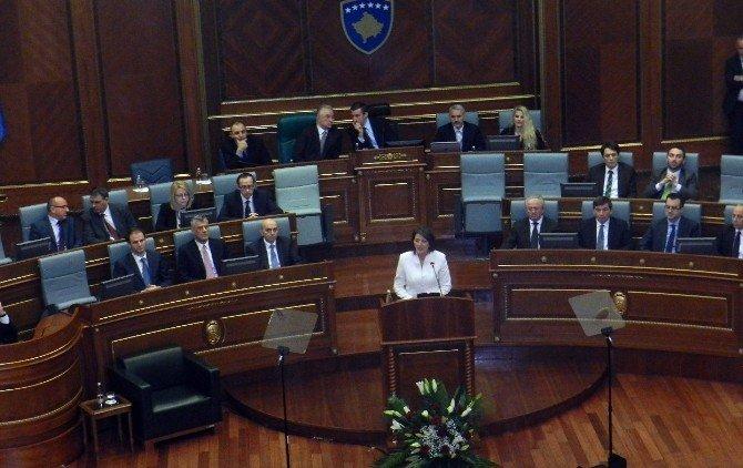 Kosova Cumhurbaşkanından, Siyasi Krize Son Verilmesi Çağrısı