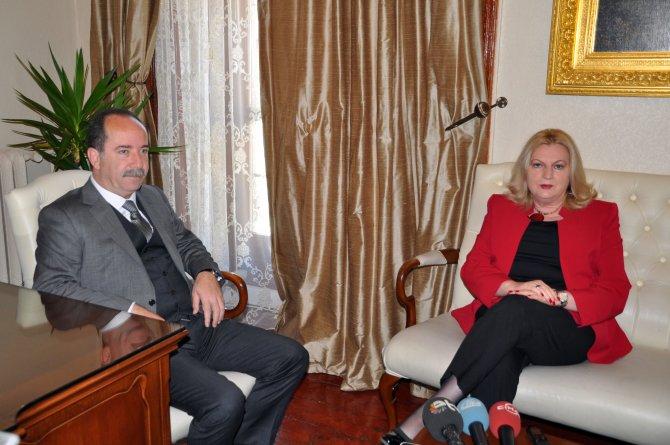 Kosova Diyalog Bakanı Tahiri, Edirne Belediyesi'ni ziyaret etti