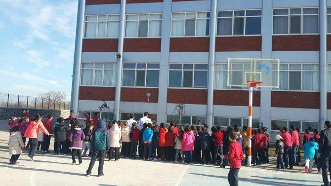 Simav Özel Bahar Ortaokulu öğrencileri yumurta uçurdu