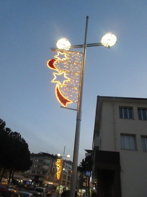 Büyükşehir Kula'yı Da Işıl Işıl Yaptı