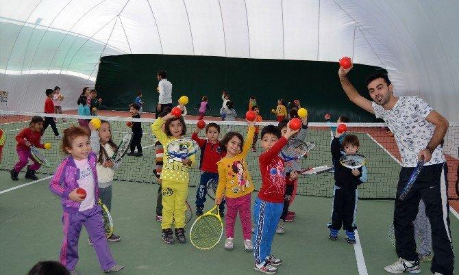 Milas'lı Minikler Tenisle Tanıştı