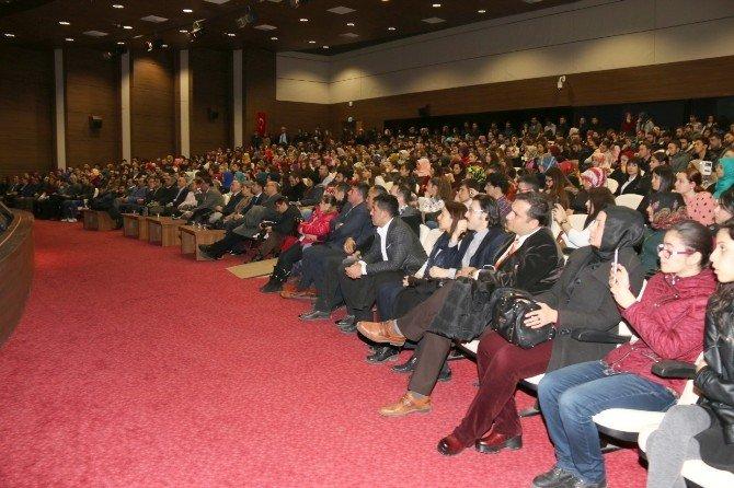 Nevşehir'de 'Dünü Unutma Ki Yarına Hakkın Olsun' Konulu Konferans Düzenlendi