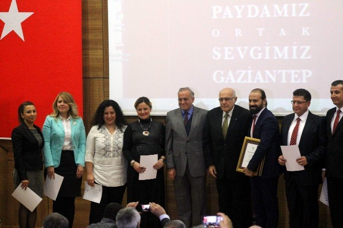 Gaziantep Folklor Kulübü'ne Hizmet Ödülü