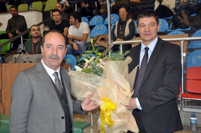 Rus takımı Edirne'de çiçeklerle karşılandı
