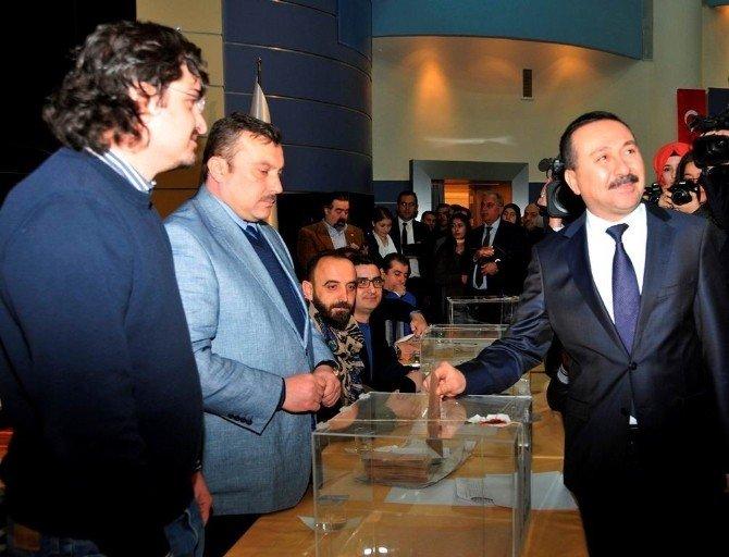 Selçuk'ta Rektör Adayı Belirleme Seçimleri Başladı