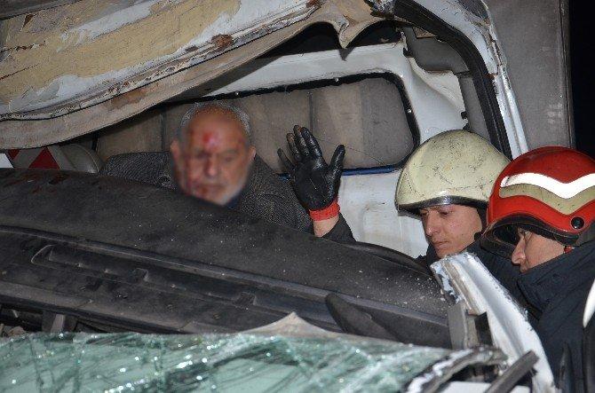 TEM'de Feci Kaza: 2 Yaralı