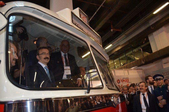 İstanbul Yollarında Nostaljik Ve Tematik Otobüs Dönemi Başlıyor