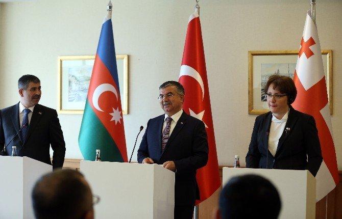 """Bakan Yılmaz: """"Üç Ülke Arasındaki Dostluk Ve İşbirliği Geliştirilmeli"""""""