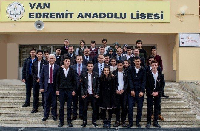 Vali Taşyapan'dan Okul Ziyareti