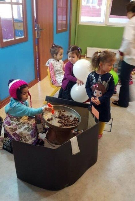 Çocuklar Yerlimalı Haftasını Pazar Kurarak Kutladılar