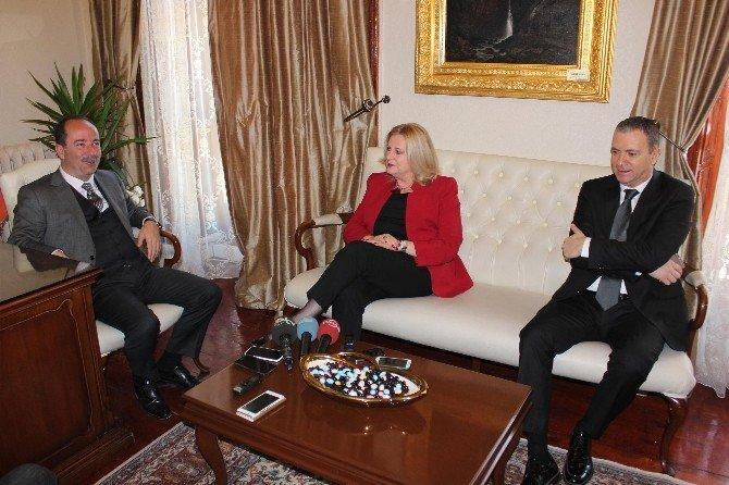 Kosovalı Bakan Tahiri, Edirne Belediye Başkanı Gürkan'ı Ziyaret Etti