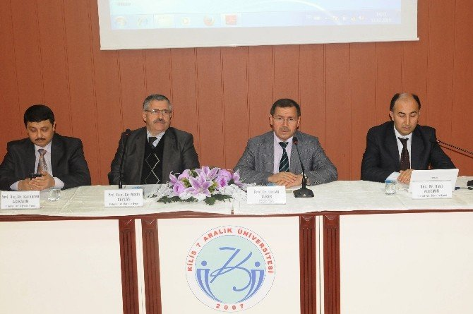 Kilis'te 'İlim İyiliklere İleten Adımların İlkidir' Konulu Panel Düzenlendi