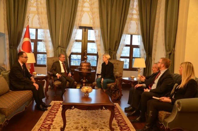 ABD'nin Adana Konsolosu Spech, Vali Tapsız'ı Ziyaret Etti