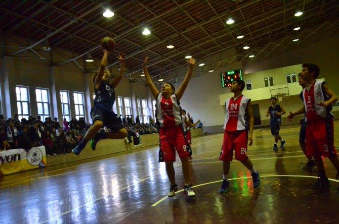 Okullar arası erkekler basketbol müsabakaları tamamlandı