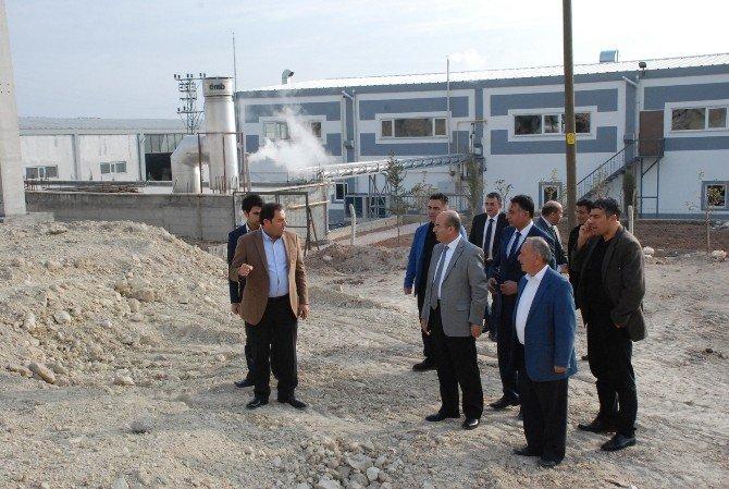 Vali Demirtaş, OSB'deki Sanayi Tesislerini Gezdi