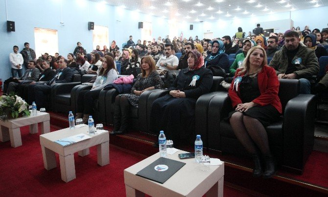 Ağrı'da 'Madde Bağımlılığı' Konferansı