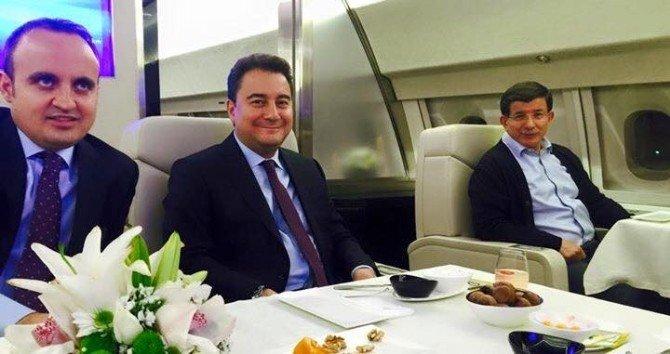 Turan, Brüksel Gezisinde Başbakan Davutoğlu'na Eşlik Etti