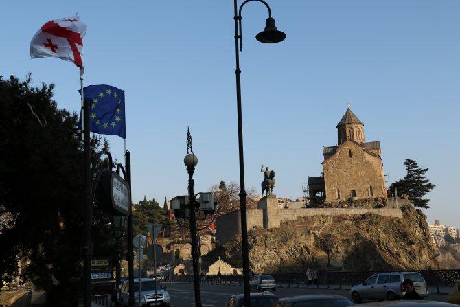 AB, Gürcistan vatandaşlarına vize engelini kaldırıyor