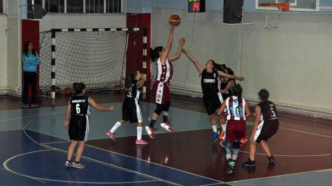Bandırma'nın Perileri Yıldız Ligi İlk Maçını Kazandı